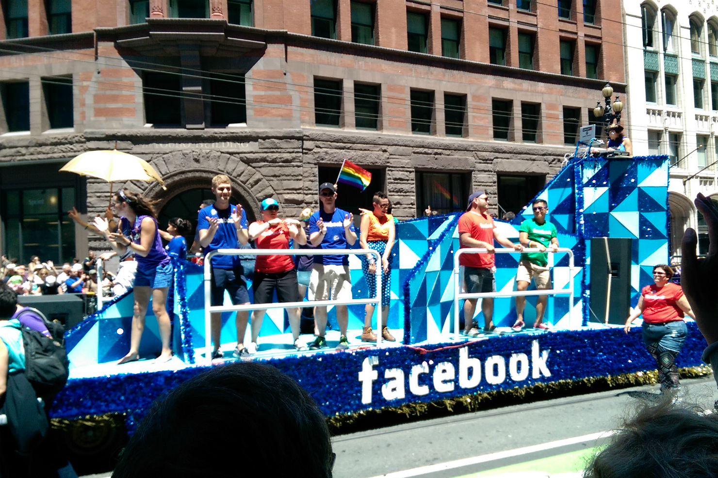 Facebook makes little progress in race, gender diversity