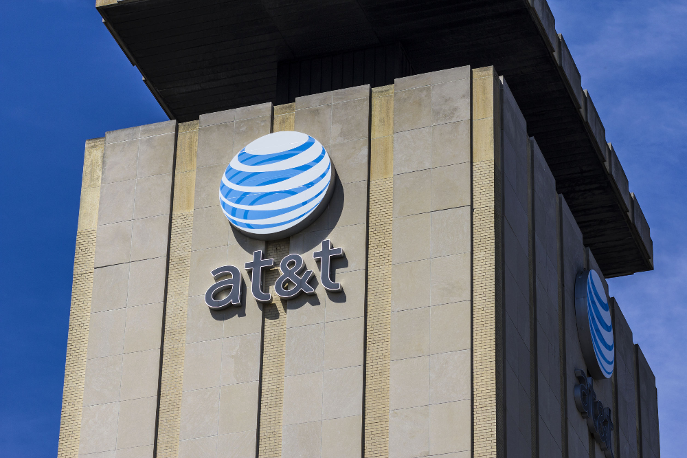 AT&T rolling out family plans on prepaid service