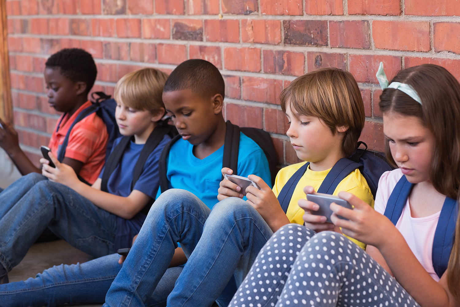 should parents give their children mobile Verified by psychology today should you give your kids an allowance giving children an allowance can lead to surprising results posted sep 19, 2013 but i will point out that even though children feel loved by their parents.