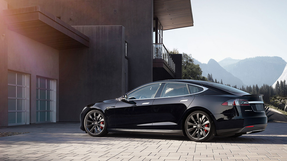 Tesla launching its own auto insurance plans?