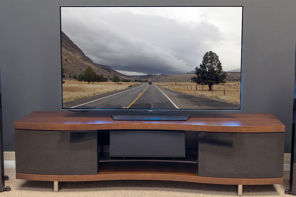 lg oled55b6p 55 inch 4k oled tv review digital trends. Black Bedroom Furniture Sets. Home Design Ideas