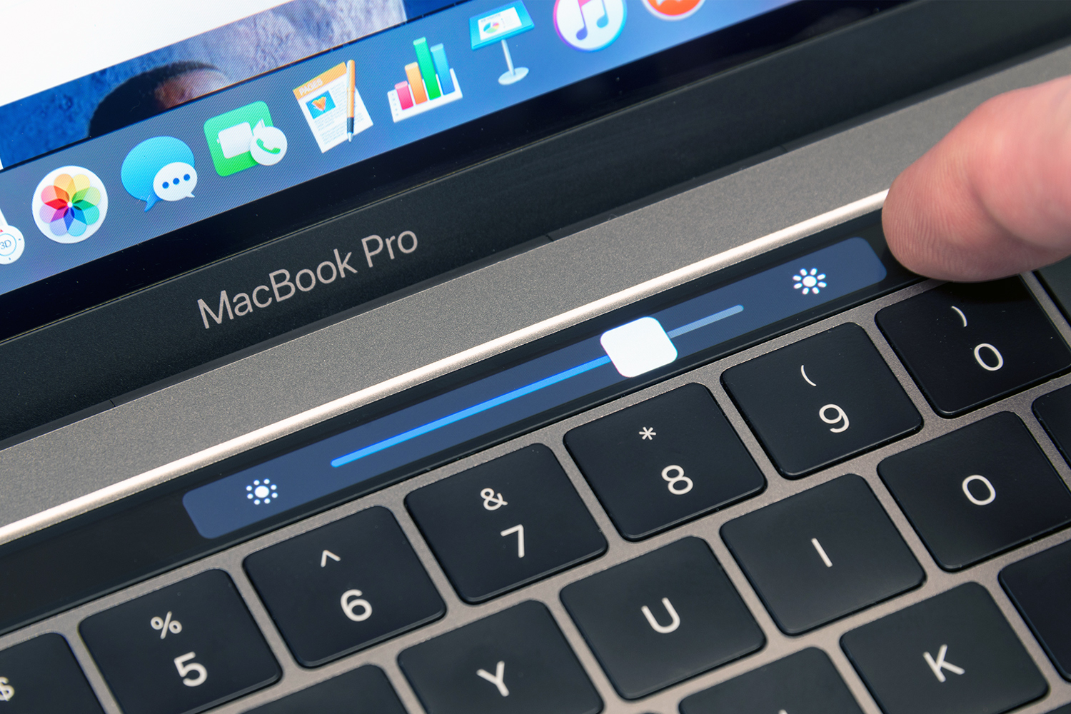 Apple reportedly designing its own chip for Mac laptops