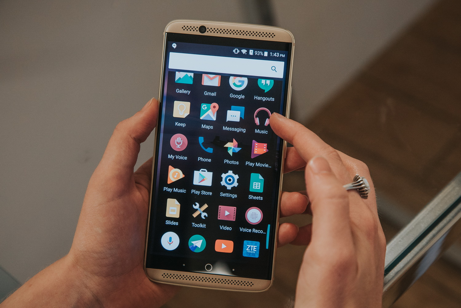 zte axon tips surprise how