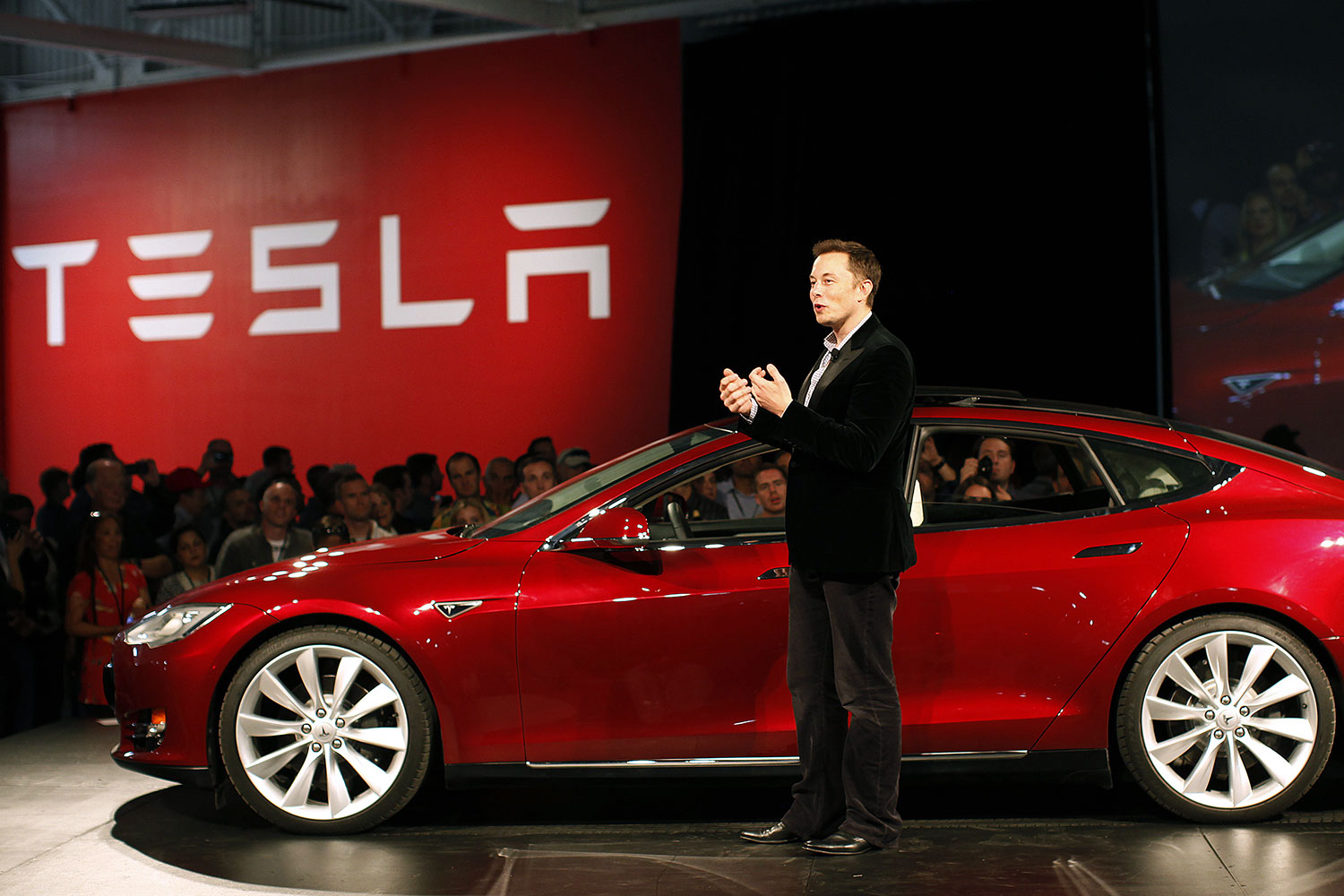how tesla reinvented the car as we know it digital trends. Black Bedroom Furniture Sets. Home Design Ideas