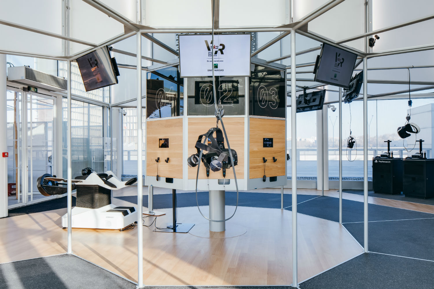 Fly like a bird in europe s largest trendiest and only for Room design vr