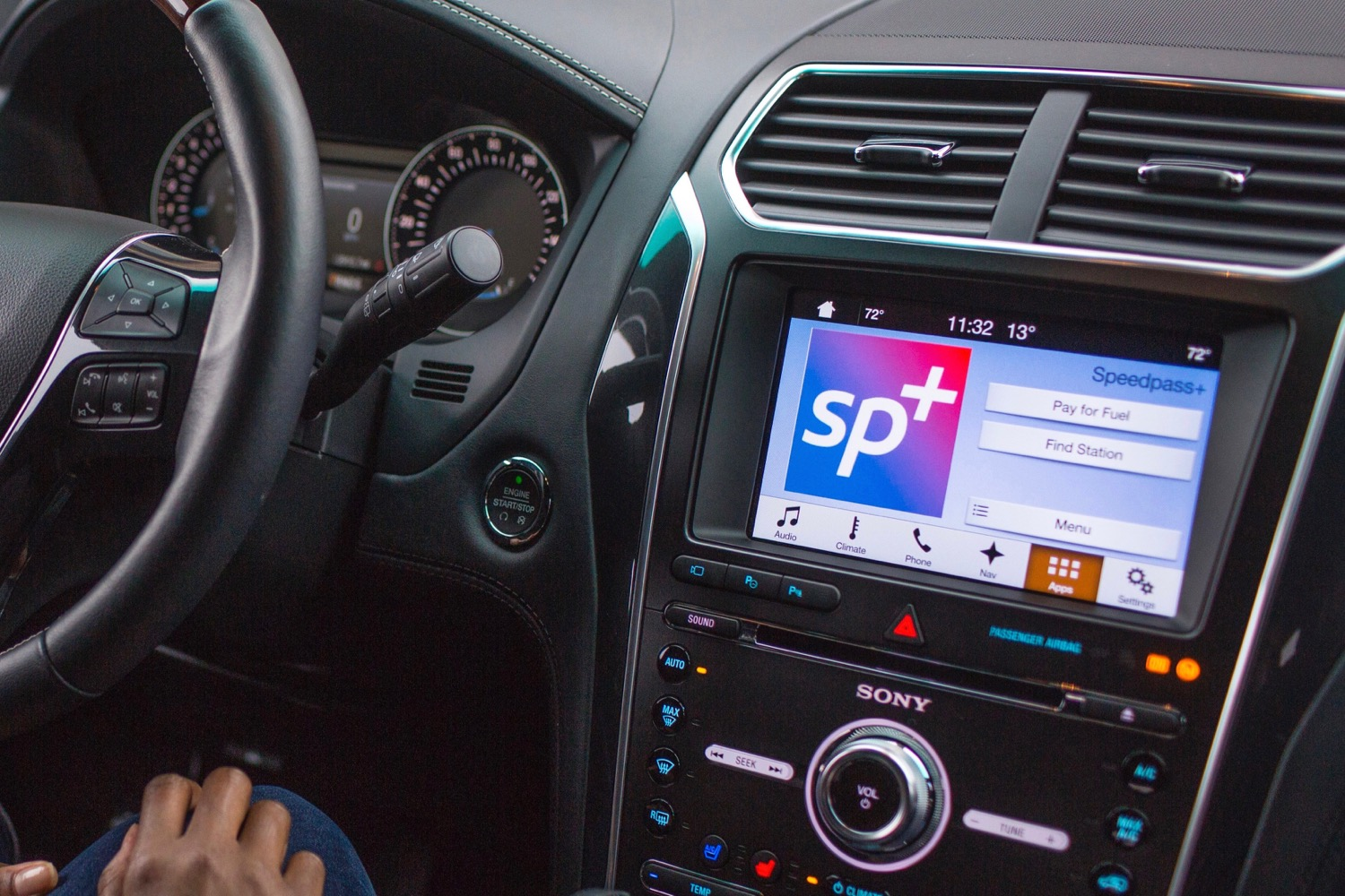 ford launches two new sync applink apps at ces 2017. Black Bedroom Furniture Sets. Home Design Ideas