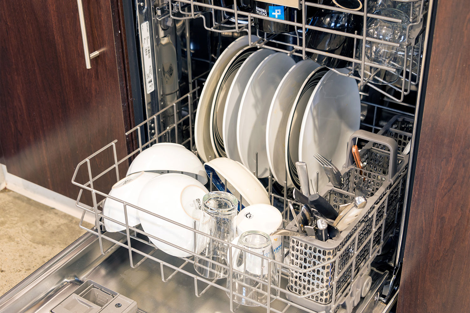 How To Quiet A Dishwasher Maytag Top Control Fingerprint Resistant Dishwasher Digital Trends