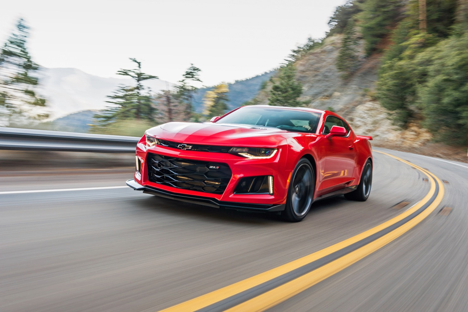 Chevrolet Camaro 1LE Has The 707 Horsepower Hellcat Quaking