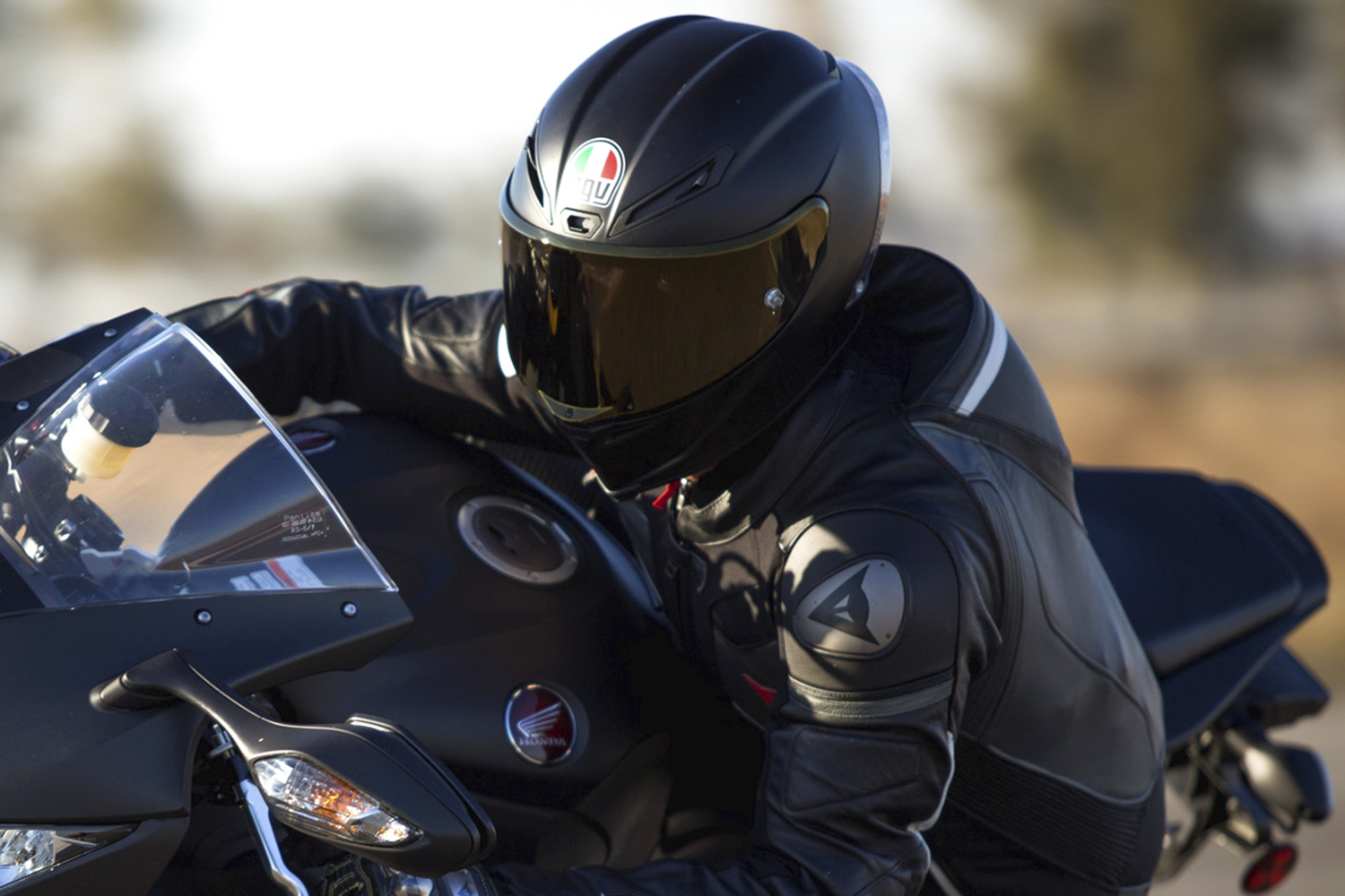 The 10 Best Motorcycle Helmets Of 2017 Digital Trends