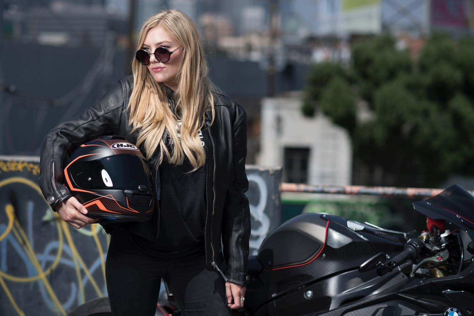 The 10 Best Motorcycle Helmets of 2017 | Digital Trends