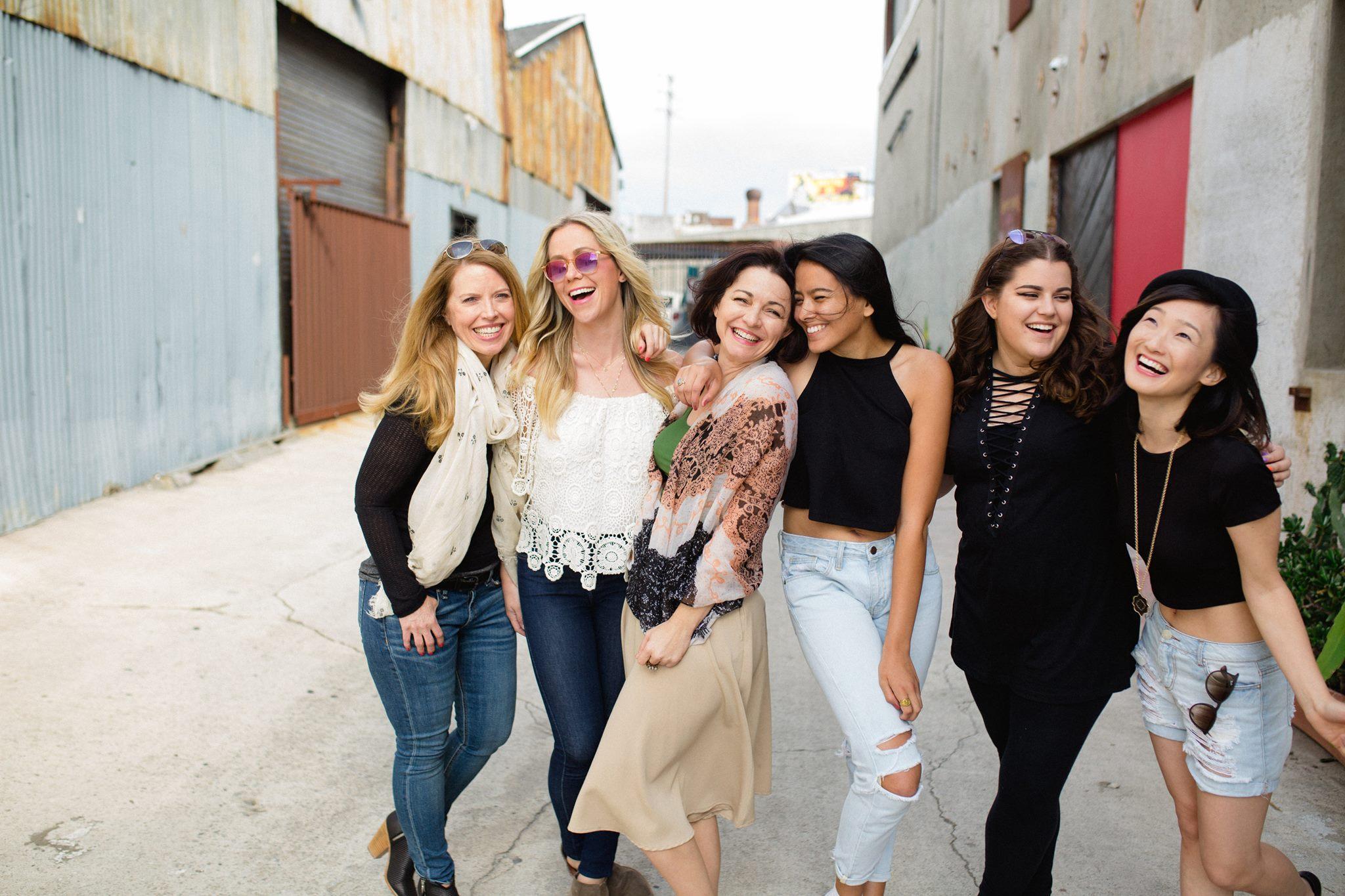 social media vina friendship women