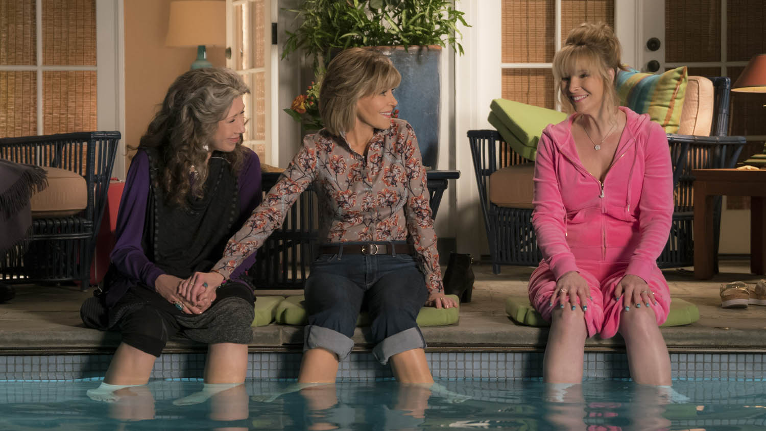 Grace And Frankie Will Return For Season 4 And Lisa
