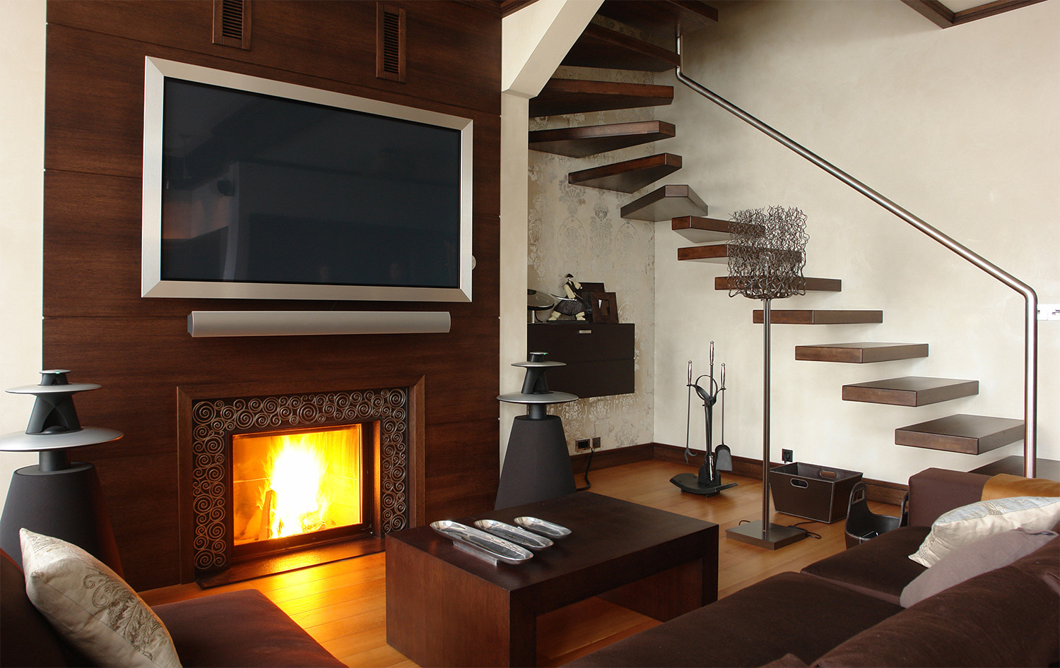 Four Reasons Not To Slap That Flatscreen TV Over Your Fireplace - Tv above fireplace pictures ideas