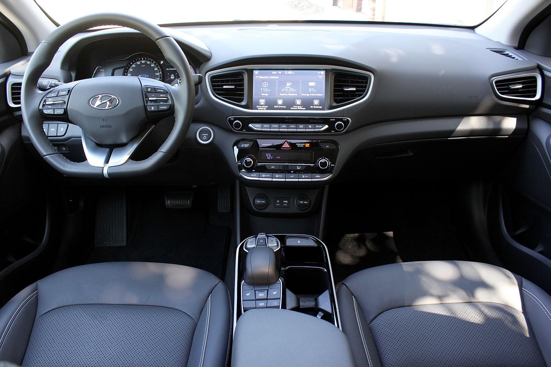 2017 Toyota Prius Interior >> 2017 Hyundai Ioniq Electric Review | Digital Trends