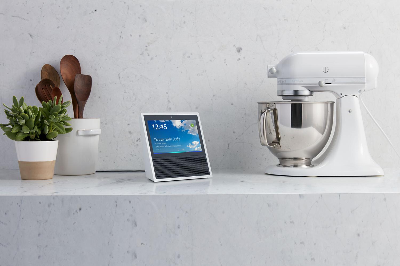 Amazon's Alexa can now link to your iCloud calendar