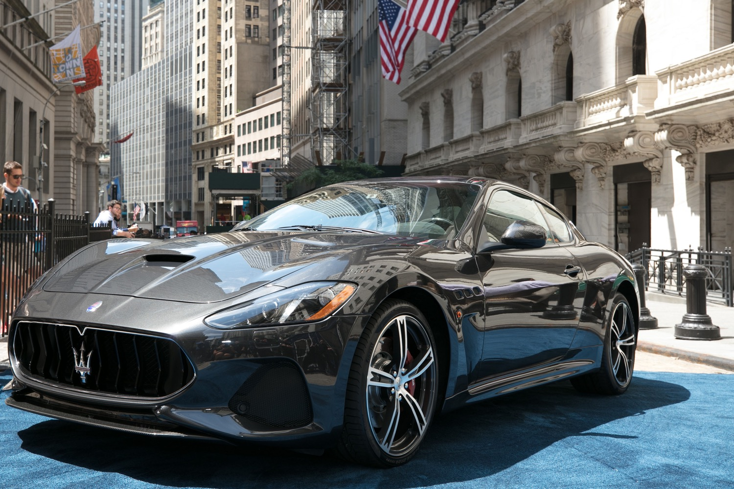 maserati s granturismo is the luxury coupe you forgot existed. Black Bedroom Furniture Sets. Home Design Ideas