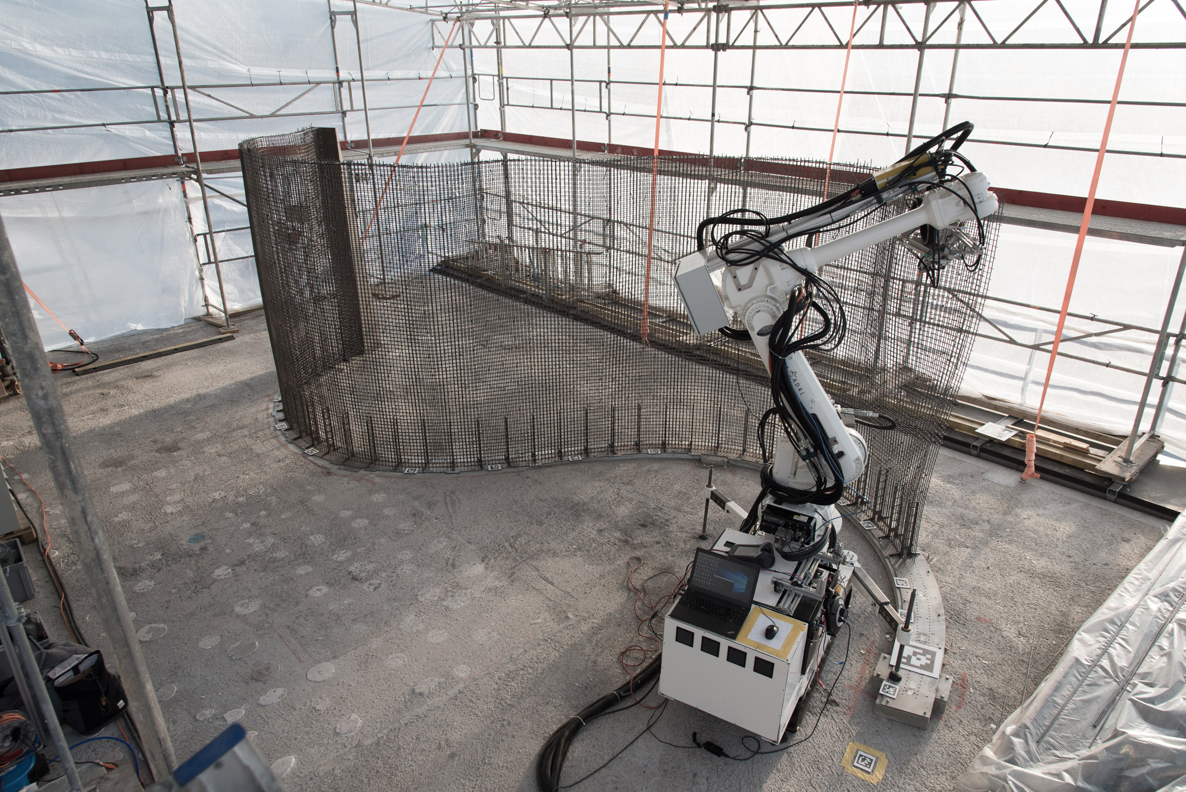 Researchers are using 3D printing and robots to design plan and