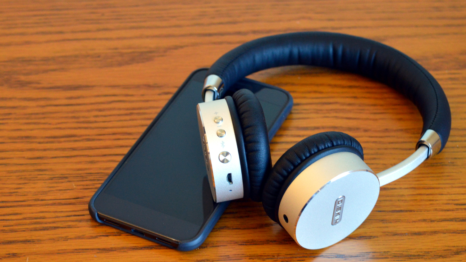 android o could bring a bluetooth battery indicator for your headphones. Black Bedroom Furniture Sets. Home Design Ideas