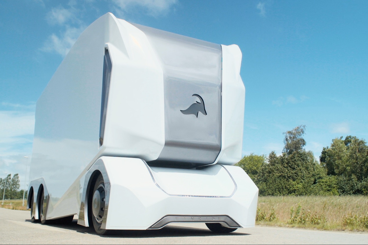 Einride S T Pod Self Driving Truck Is A Cargo Hauling Box