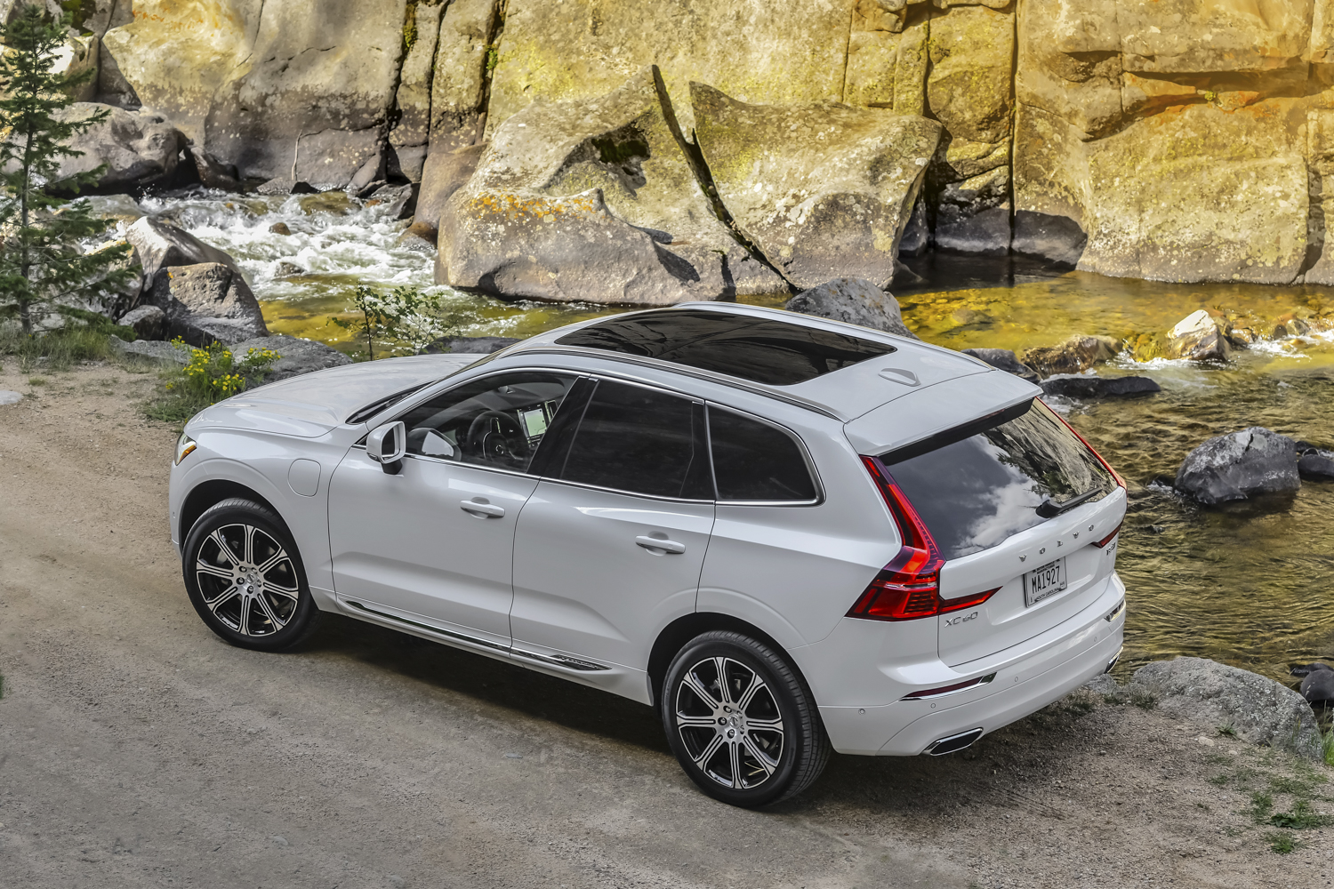 Model 2018 Volvo XC60 T8 First Drive Review  Digital Trends