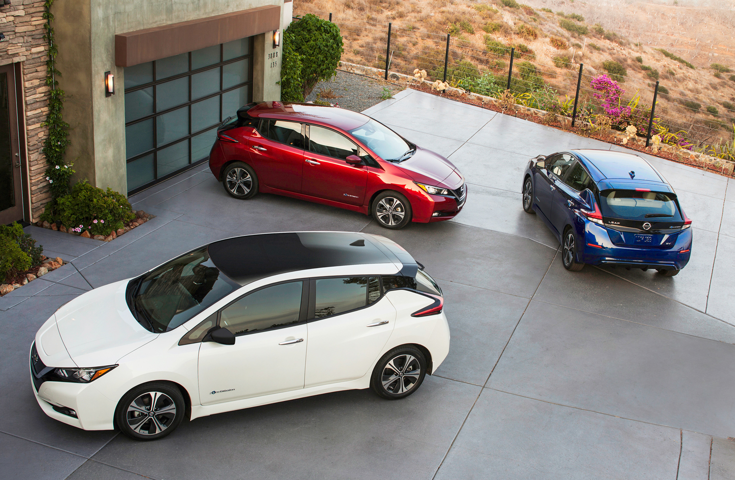 everything we know about the 2018 nissan leaf from its. Black Bedroom Furniture Sets. Home Design Ideas