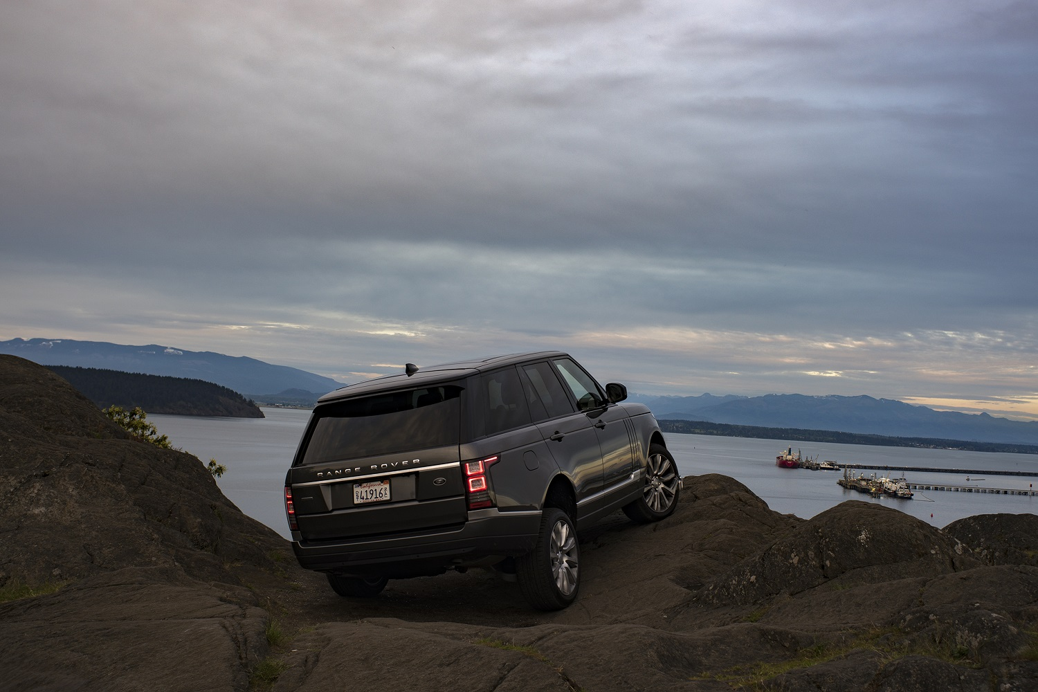 land rover tells us a fully electric range rover isn t out. Black Bedroom Furniture Sets. Home Design Ideas