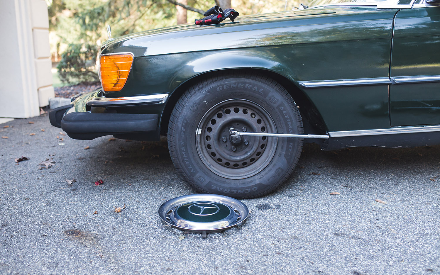 How to jack up a car | Steps, materials, safety, pictures | Page 2