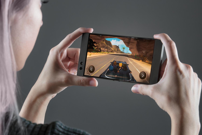 Telefon pentru gaming: Razer a facut un telefon cu Android 137