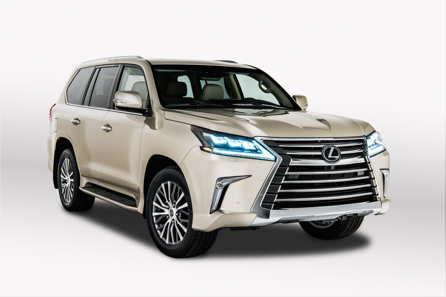 2018 Lexus Lx 570 Roams The Earth Like A High End