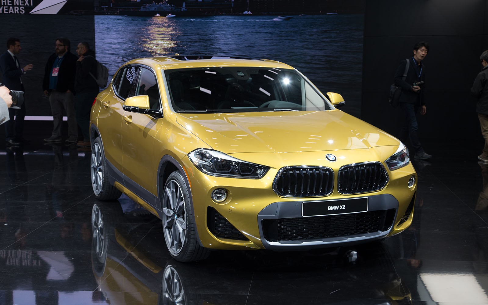 the 2018 bmw x2 takes its official worldly bow in detroit. Black Bedroom Furniture Sets. Home Design Ideas