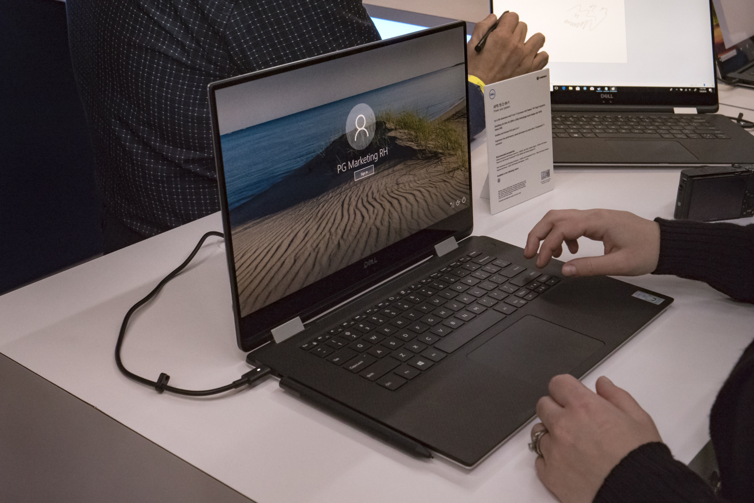 Dell XPS 15 2-in-1 vs Surface Book 2