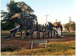 Forest_park_timber_playground