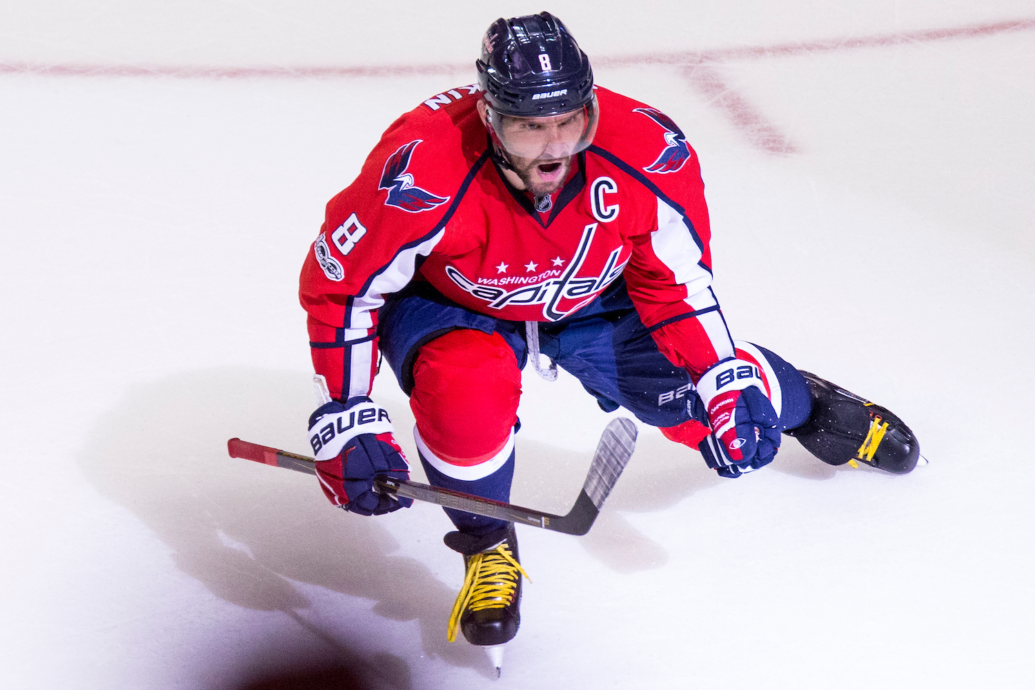 Ovechkin nets 690th career goal, tying Lemieux for 10th all
