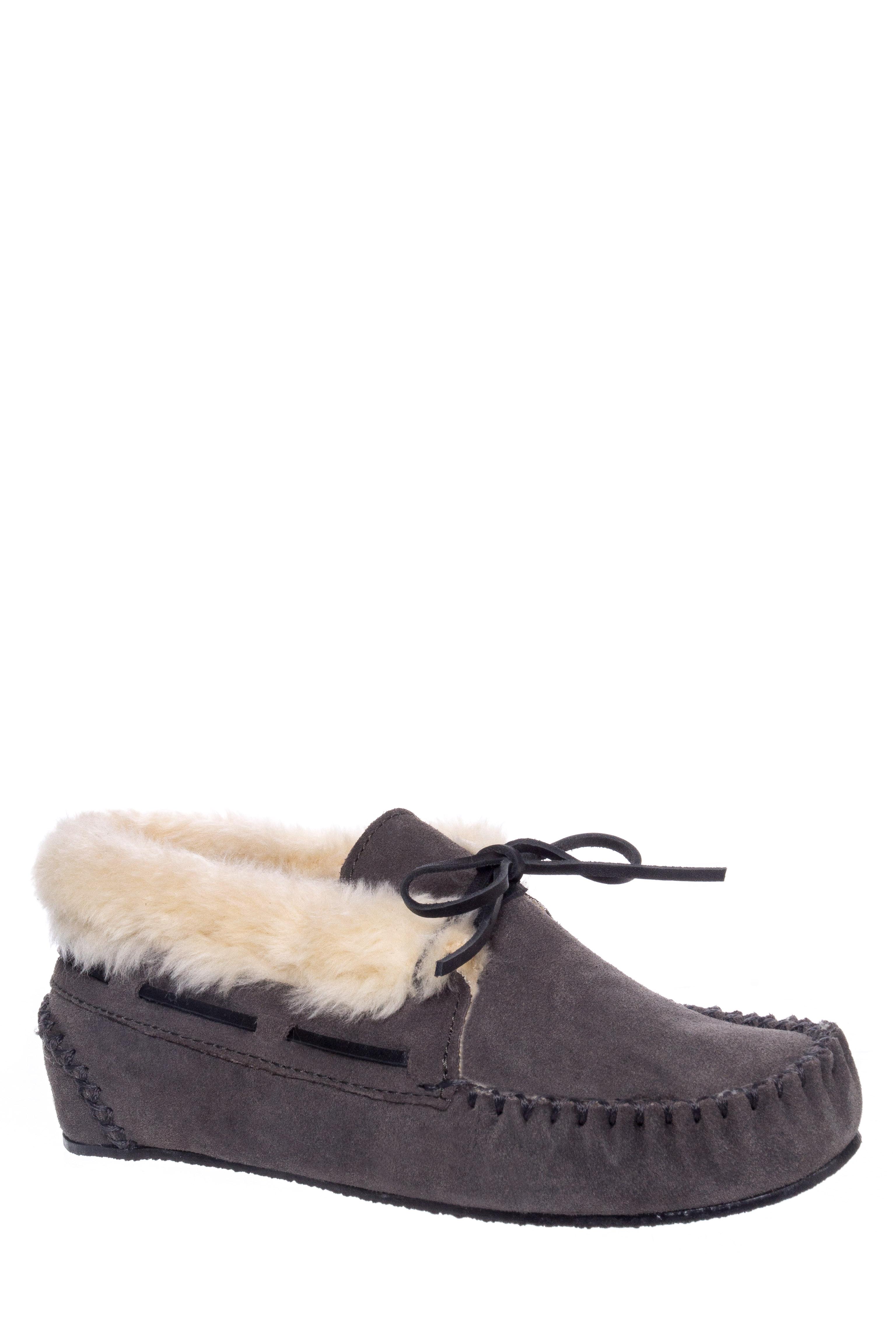 Minnetonka Chrissy Flats Boot