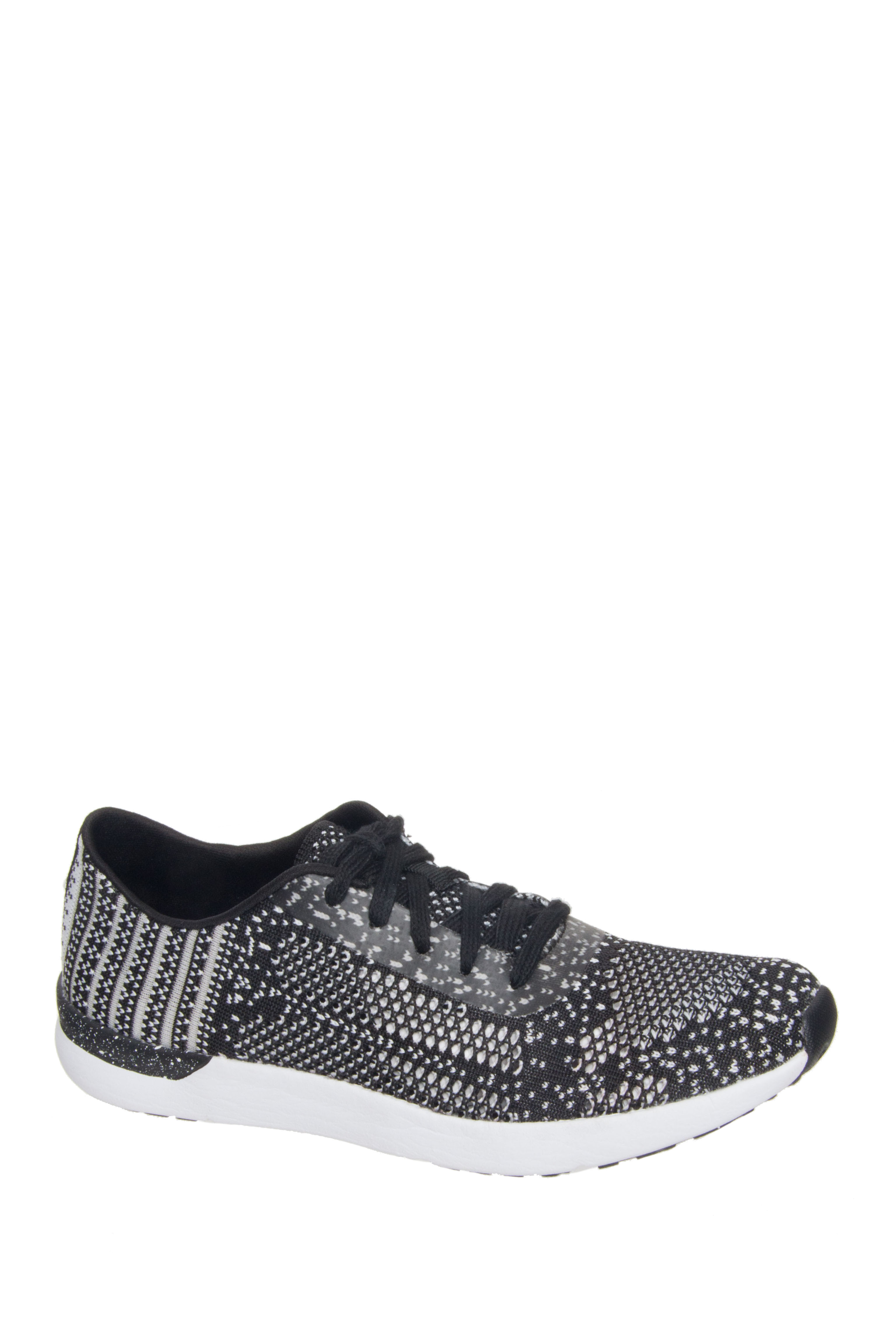 Jessica Simpson Fitt Low Top Sneakers - Black / White