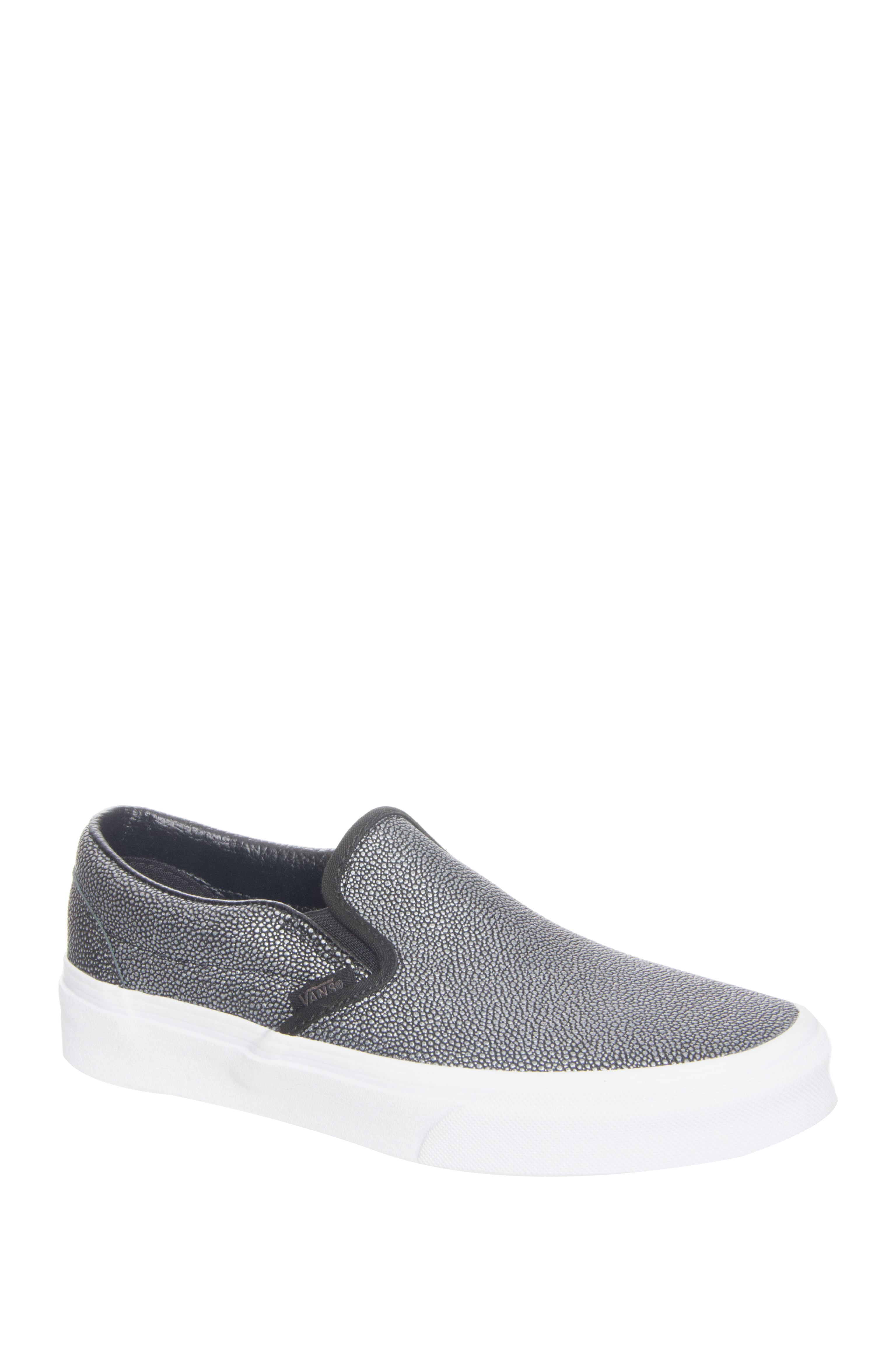 Vans Unisex Stingray Slip-On Sneakers -Black