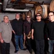 Los Lobos - Two Sets: Disconnected + Plugged In