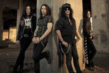 Slash featuring Myles Kennedy and The Conspirators with Foxy Shazam