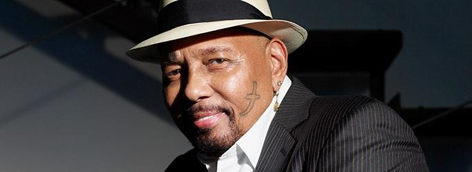 Aaron Neville: A Christmas Celebration