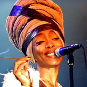  Erykah Badu &amp; Mos Def: You're Causing Quite a Disturbance