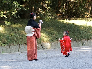 little girl in kimono at Meiji Shrine