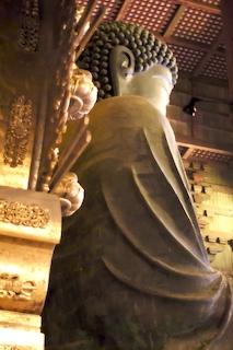 World's largest bronze buddha, Toudai-ji