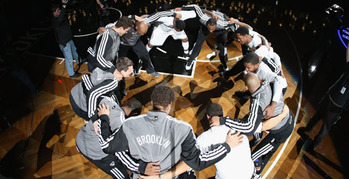 Nets_huddle