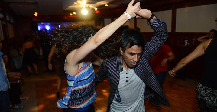Salsa_salsa_dance_studio