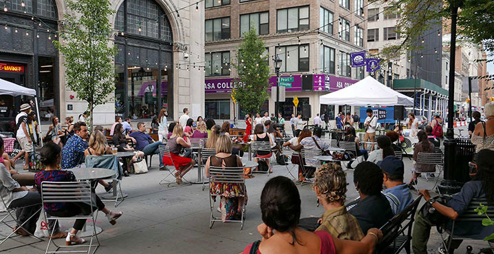 Willoughby-plaza-live-music-2x