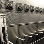 Nhl_a_locker_room1x_576