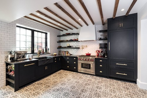 L-Shaped-farmhouse-kitchen