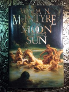 The-Moon-and-the-Sun-Signed-by-Vonda-McIntyre-1997-First-Edition-Pristine-301736493762