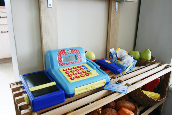 Simple play cash register for pretend market. See more photos here: http://everclevermom.com/2013/09/evas-diy-pretend-market-and-play-kitchen/