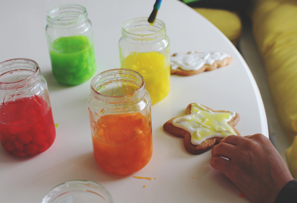Make paint from Skittles #SweetOrTreat #CollectiveBias #shop